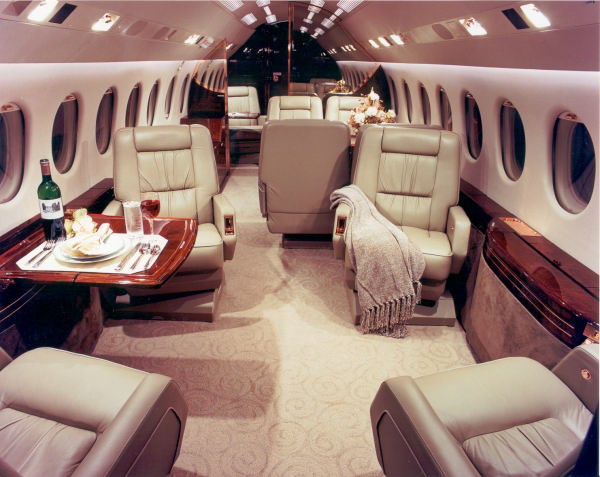 falcon900-private-jets